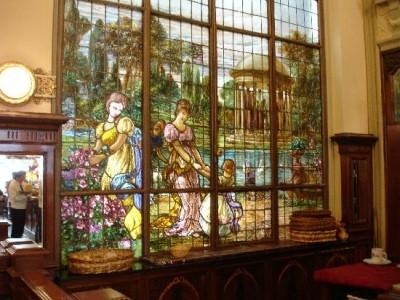09 de Agosto-Restauraron los históricos vitrales de la confitería Las Violetas