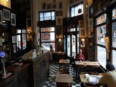 03 de Octubre-Pretenden declarar de Interés Histórico Nacional, al Bar Plaza Dorrego para evitar su cierre