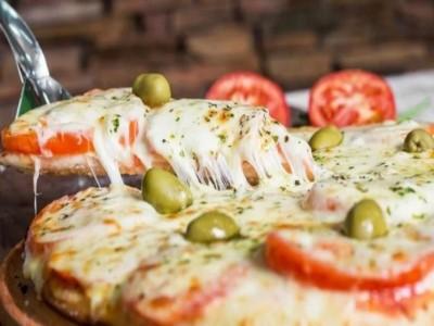 """11 de Septiembre-Se viene una nueva edición de """"La Noche de la Pizza y la Empanada"""" en la Ciudad"""