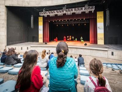 11 de Noviembre-Se estrenó la primera obra al aire libre con público presente en el Parque Centenario_