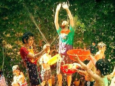 20 de Enero-Juegos con agua y alegría para los niños del sur de la Ciudad_