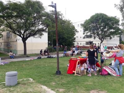 26 de Enero-Vecinos del barrio de Villa Pueyrredón realizaron una Feria Vecinal para emprendedores_
